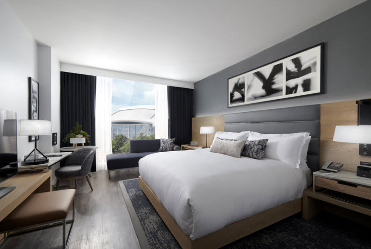 Enertia-User-Conference-king-guest-room
